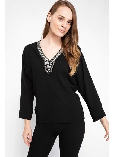 DeFacto Taşlı V Yaka Bluz Siyah
